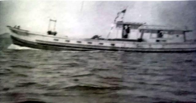Tàu mang số hiệu 158 của Đoàn 950, Quân khu 9 chở Tư lệnh Quân khu 9 Lê Đức Anh vượt biển ra Bắc họp cuối năm 1973.