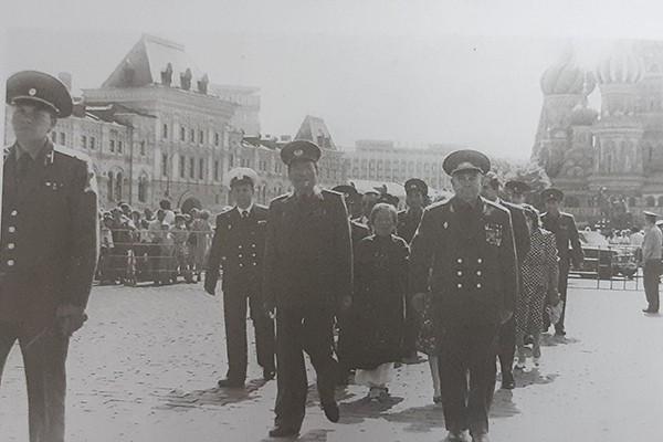 Đại tướng Lê Đức Anh - Bộ trưởng Quốc phòng thăm và dự lễ kỷ niệm 70 năm ngày thành lập quân đội và hải quân Liên Xô, tháng 2/1988. Ảnh tư liệu