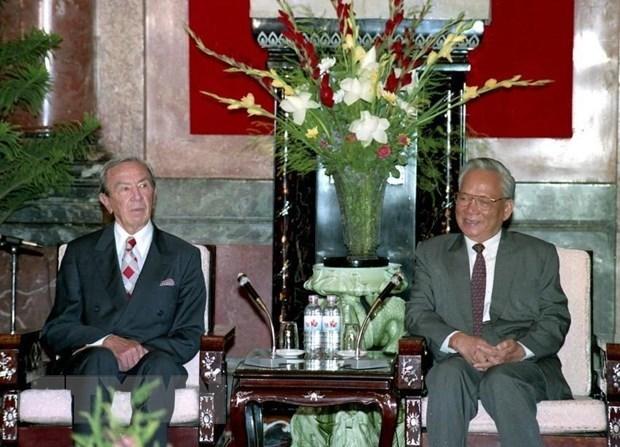 Chủ tịch nước Lê Đức Anh tiếp Ngoại trưởng Mỹ Warren Christopher ngày 5/8/1995 tại Phủ Chủ tịch. Ảnh: TTXVN