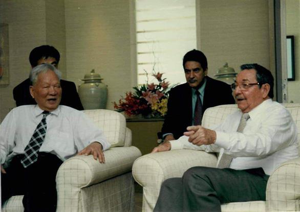 Nguyên chủ tịch nước Lê Đức Anh và Chủ tịch Cuba Raul Castro - Ảnh: DPRCUBAONU