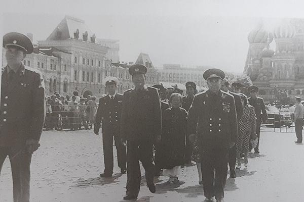 Đại tướng Lê Đức Anh - Bộ trưởng Quốc phòng thăm và dự lễ kỷ niệm 70 năm ngày thành lập quân đội và hải quân Liên Xô, tháng 2/1988