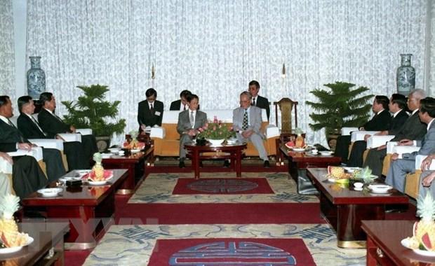 Chủ tịch nước Lê Đức Anh tiếp Thủ tướng Vương quốc Thái Lan Chuan Leekpai, ngày 18/3/1994, tại dinh Thống Nhất, thành phố Hồ Chí Minh. (Ảnh: Cao Phong/TTXVN)