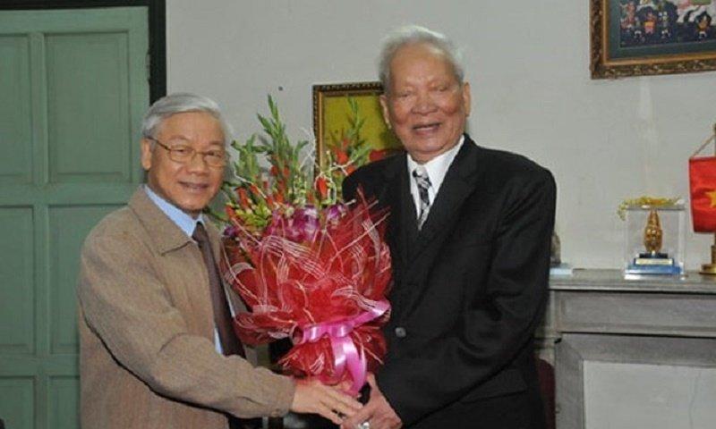 Tổng Bí thư,Chủ tịch nước Nguyễn Phú Trọngtrong một lần đến chúc mừng sinh nhật Đại tướng Lê Đức Anh. (Ảnh: Viettimes)