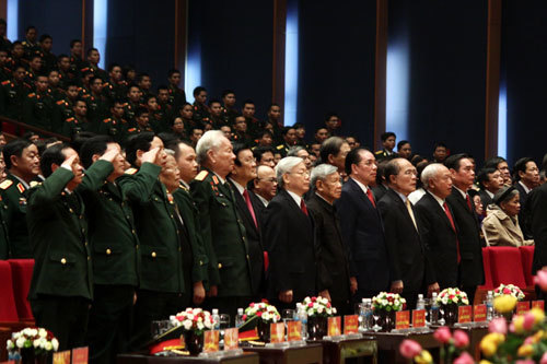 Đại tướng, nguyên Chủ tịch nước Lê Đức Anh cùng lãnh đạo Đảng, Nhà nước tại lễ kỷ niệm 70 năm ngày thành lập QĐND Việt Nam, 25 năm ngày hội Quốc phòng toàn dân