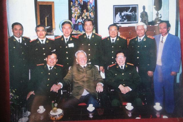 Một bức ảnh của Đại tướng Lê Đức Anh được lưu giữtại Nhà Văn hóa - Thư viện mang tên ông tại quê nhà xã Lộc An, huyện Phú Lộc, tỉnh Thừa Thiên - Huế.