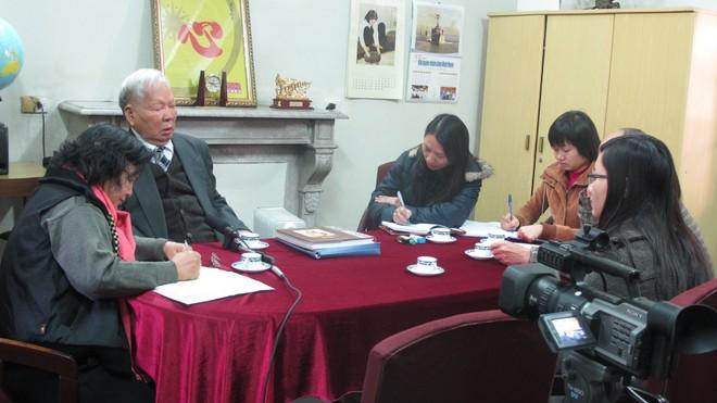 Khi đã 90 tuổi, lại vừa trải qua thời gian điều trị bệnh nặng, song khi nghe đề nghị, nguyên Chủ tịch nước, đại tướng Lê Đức Anh vẫn vui vẻ nhận lời tiếp nhóm công tác của Bảo tàng Hồ Chí Minh tại nhà công vụ số 5A Hoàng Diệu N.T.T.H
