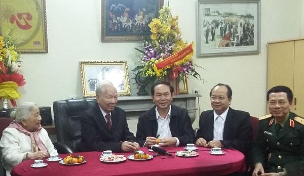 Bộ trưởng Công an Trần Đại Quang chúc thọ Đại tướng.