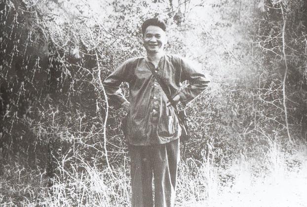 Vị Tướng mở đầu binh nghiệp bằng 'Đội quân áo nâu'
